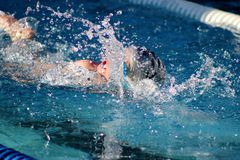 Zwem ontmoeten Plonsen Stock Fotografie