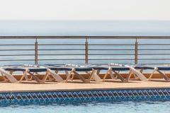 Zwembad bij D Ana Beach Lagos, Portugal stock afbeeldingen