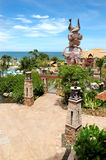 Zwembad bij het strand van populair hotel Stock Afbeelding