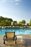 Zwembad bij luxehotel Royalty-vrije Stock Afbeeldingen