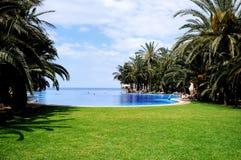 Zwembad bij luxehotel in Gran Canaria stock fotografie
