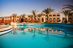 Zwembad bij ochtend, Hurghada, Egypte Stock Afbeelding