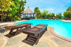 Zwembad in de luxetoevlucht Stock Foto