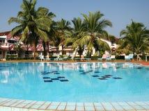 Zwembad en huizen Royalty-vrije Stock Afbeeldingen