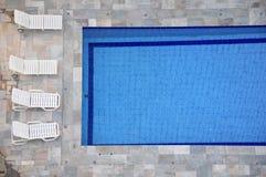 Zwembad en zitkamer Royalty-vrije Stock Afbeeldingen