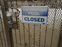 Zwembad gesloten Sneeuw Stock Foto's
