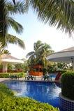 Zwembad in het hotel Royalty-vrije Stock Afbeelding