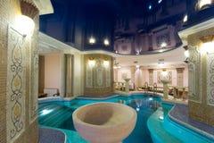 Zwembad in hotel Royalty-vrije Stock Afbeelding