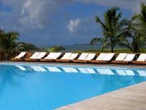 zwembad lege overzees Stock Fotografie