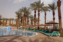 Zwembad in luxehotel Stock Afbeeldingen