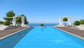 Zwembad met het oog op het overzees Royalty-vrije Stock Afbeeldingen