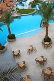 Zwembad met koffie Stock Foto's