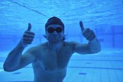 Zwembad onderwater royalty-vrije stock afbeeldingen