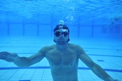 Zwembad onderwater stock afbeeldingen