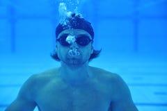 Zwembad onderwater stock afbeelding
