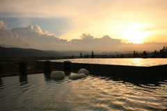 Zwembad in resaort Royalty-vrije Stock Foto