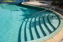 Zwembad in toevlucht Stock Foto