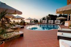 Zwembad van luxehotel Stock Fotografie