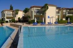Zwembad van luxehotel, Cyprus Royalty-vrije Stock Fotografie