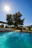 Zwembadterras royalty-vrije stock afbeelding