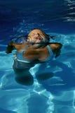 Zwemmend meisje Royalty-vrije Stock Fotografie
