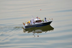 Zwemmende boot Stock Fotografie