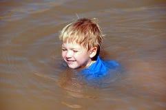 Zwemmende Jongen   Royalty-vrije Stock Afbeelding