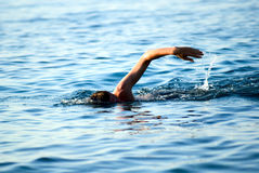 Zwemmende mens Stock Afbeelding