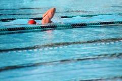 Zwemmende overlappingen Stock Foto's