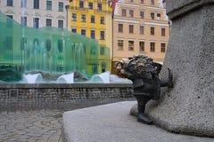 Zwerg und Brunnen Breslau stockfoto