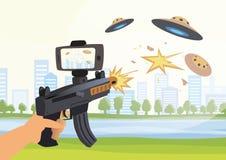 Zwiększać rzeczywistość gry Chłopiec z AR pistoletem bawić się strzelającego Gemowa broń z telefonem komórkowym również zwrócić c royalty ilustracja