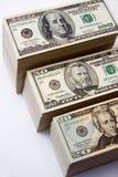 zwiększenie dochodów wykazując sterta pieniędzy Fotografia Stock