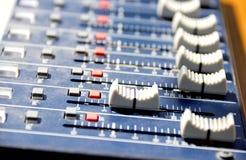 Zwicken der Sound-Karte Stockfotos