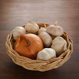 Zwiebel und Knoblauch Lizenzfreies Stockfoto