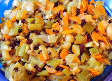 Zwiebelen- und Karottemahlzeit Stockfotos