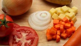 Zwiebeln, Karotte, Tomate und Kartoffel lizenzfreies stockfoto