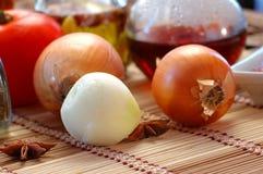 Zwiebeln und Gemüse Stockfotos