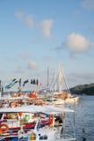 Zwiedzać w Grecja: tradycyjne łodzie rybackie na grku są Obrazy Stock