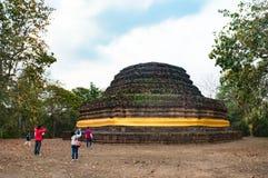 Zwiedzać przy ruinami w Sukhothai Obrazy Royalty Free