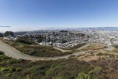 Zwilling ragt Boulevard, San Francisco empor Stockfotografie