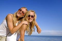 Zwillinge am Sommer Stockfotos