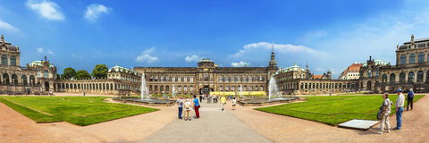 Zwinger宫殿,德累斯顿,德国全景  免版税库存照片