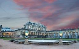 Zwinger宫殿(Der Dresdner Zwinger)在德累斯顿,德国 库存图片