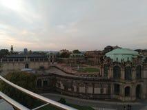 Zwinger a Dresda dal lato immagine stock