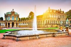 Zwinger-Museum in Dresden Stockfotos
