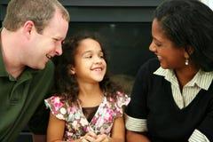 Zwischen verschiedenen Rassen Familie Stockfoto