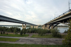 Zwischen zwei Brücken Stockbild
