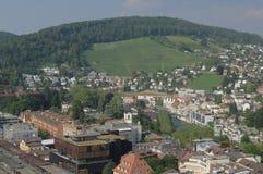 Zwitserland: De mening aan de oude stad van Baden City en Ennetbaden in kanton Aargau stock foto