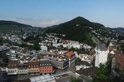 Zwitserland: De mening aan de oude stad van Baden City in kanton Aargau royalty-vrije stock afbeelding