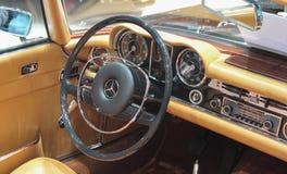 Zwitserland; Genève; 8 maart, 2018; Mercedes-Benz 280 de Pagode van SL Stock Foto